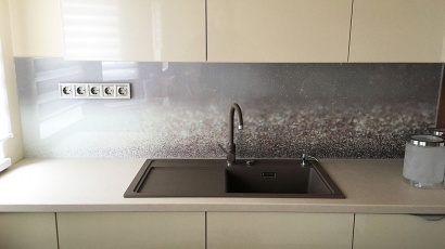 Printed kitchen glass backsplash CE Glass Industries reference
