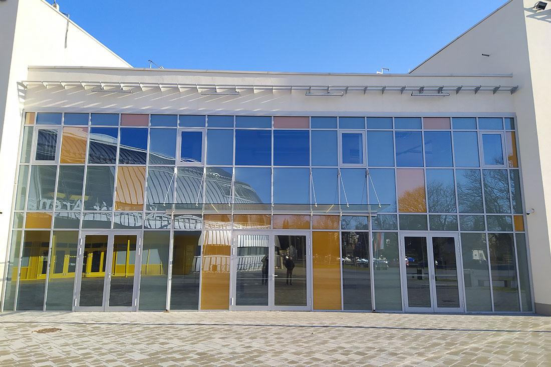 CE Glass referencia Kaposvár Aréna