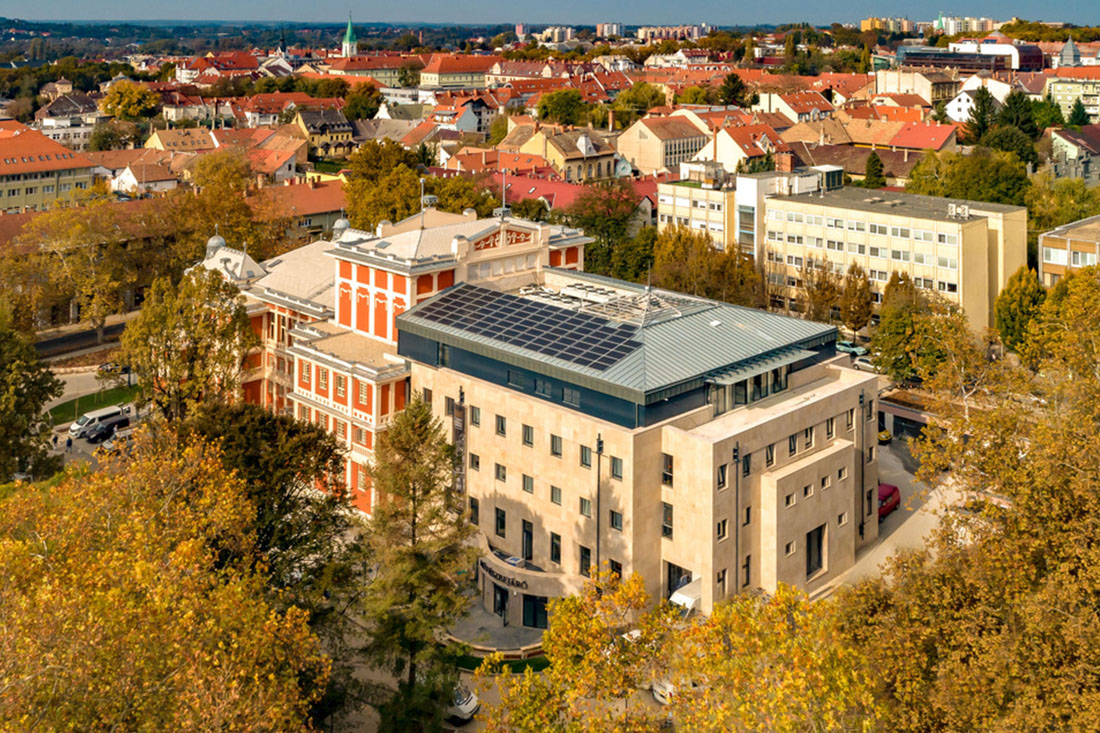 CE Glass referencia Kaposvár Kamaraszínház