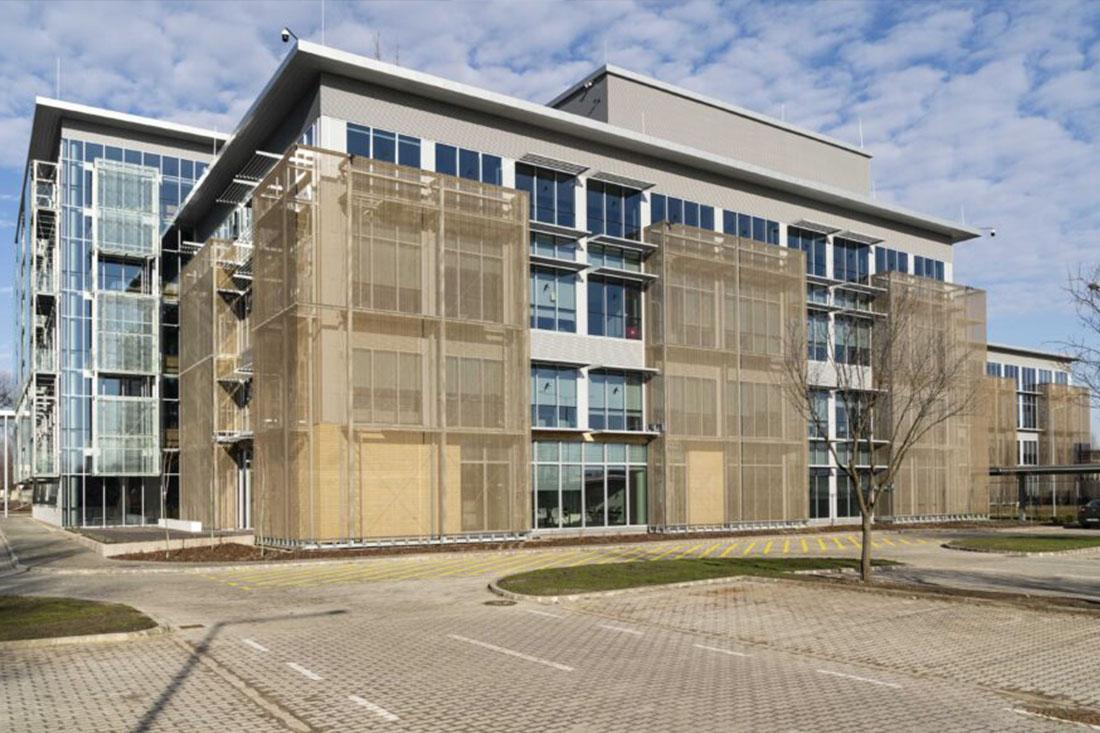 CE Glass referencia National Instruments D épület